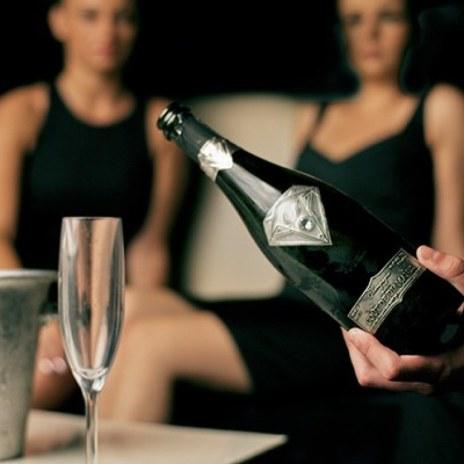a-capodanno-champagne-di-lusso-381430_w767h767c1